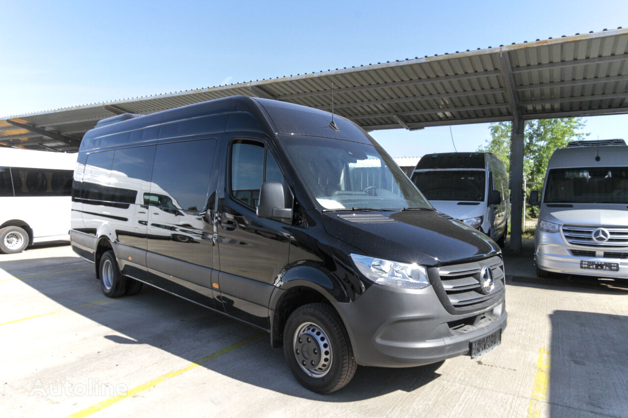 new MERCEDES-BENZ 516 passenger van