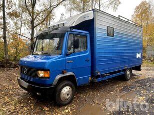 MERCEDES-BENZ 709D horse truck